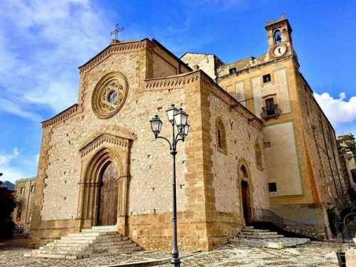 In Sicilia c'è un antico santuario circondato da un paesaggio naturalistico  mozzafiato