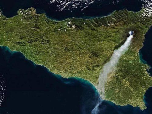 IMMAGINI MOZZAFIATO: la Sicilia ripresa da un drone. VIDEO