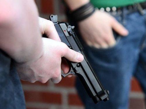Notte da incubo in una villa a Erice, coniugi sorpresi nel sonno e minacciati con una pistola.