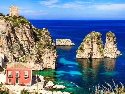Scopello, uno dei borghi più affascinanti e suggestivi della Sicilia.