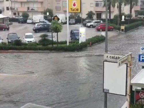 Maltempo a Trapani ed a Erice, strade allagate e traffico in tilt.