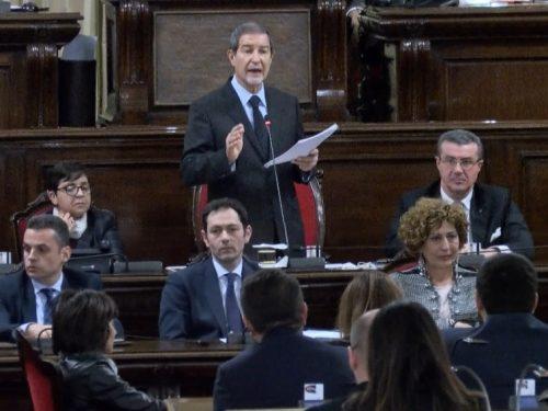 ARS. I Parlamentari siciliani dovevano tagliare i vitalizi e invece si sono aumentati la pensione.