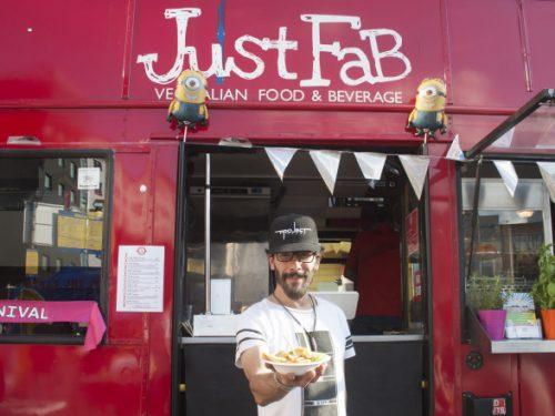 Lo street food siciliano in giro per Londra a bordo di un double-decker bus.