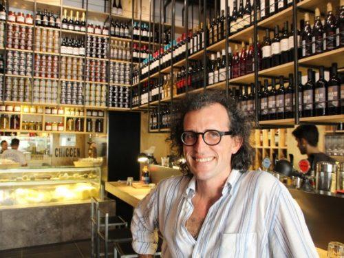"""Andrea Graziano, il catanese ideatore di """"Fud Bottega Sicula"""" che scommette sull'unicità siciliana."""