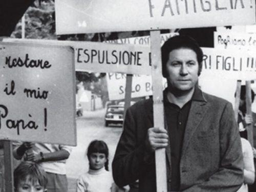 """""""Vietato ai cani e agli italiani"""", quando gli immigrati eravamo noi."""