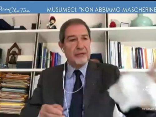 """Nello Musumeci non ci sta: : """"Questo è un panno, stiamo arrivando al punto di non ritorno"""""""