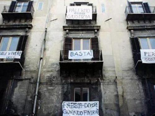 """Il Comune di Custonaci aderisce all'iniziativa """"il mio balcone é una piazza""""."""