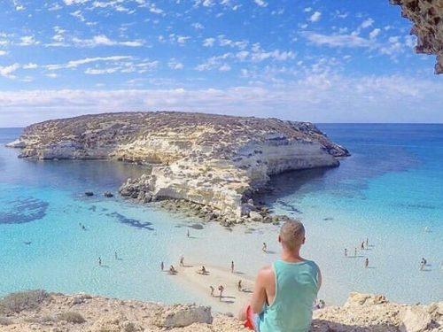 A spasso per la Sicilia alla scoperta di spiagge, lidi e scogliere tra le più belle del mondo