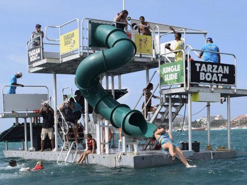 """Il comune di Custonaci mette all'asta il """"Tarzan Boat"""": l'offerta base è di 58000€."""