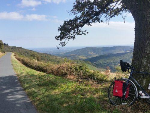 Cicloturismo in Sicilia: alla scoperta dell'isola tra panorami, profumi e incontri speciali