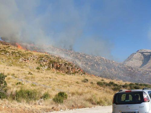 Inferno di fuoco tra San Vito Lo Capo e Custonaci:  in fiamme la montagna di Timpe Bianche
