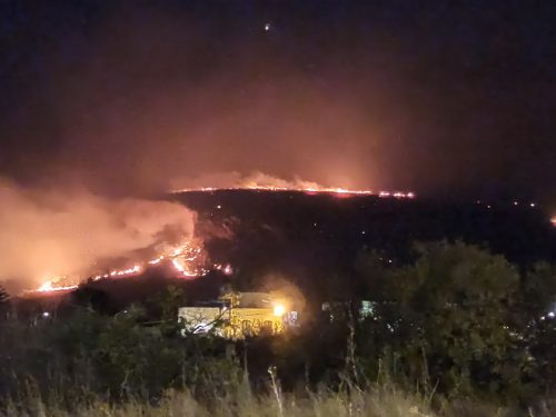 Bruciano le montagne di Biro, Castelluzzo e Macari. A fuoco anche Baia Santa Margherita