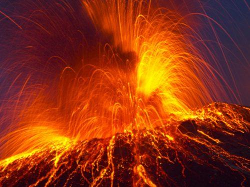 La magia dello Stromboli, escursioni sul vulcano in compagnia di guide esperte