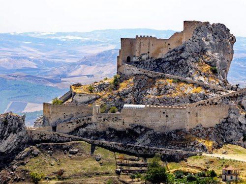 Mussomeli e il suo splendido Castello, nel cuore della Sicilia, una delle fortezze più belle d'Italia
