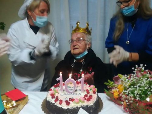 Trapani, nonna Angela festeggia 101 anni dopo essere guarita dal Coronavirus