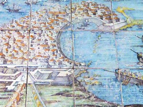"""Una """"Veduta di Trapani"""" al Museo Pepoli: il prezioso pavimento maiolicato del XVIII secolo"""