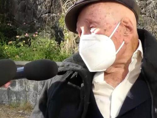 """A 105 anni, è il siciliano più anziano a ricevere il vaccino: """"anche durante la spagnola stavamo chiusi in casa"""""""