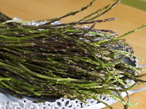 Le tante proprietà benefiche dell'asparago selvatico: da diuretico ad antitumorale