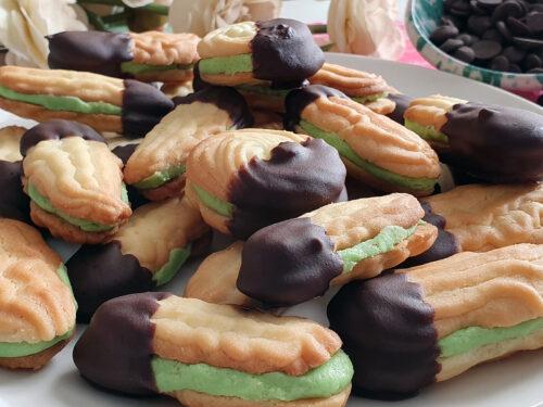 Excelsior: i deliziosi biscotti al burro e pasta di mandorla nati nelle cucine dei conventi siciliani